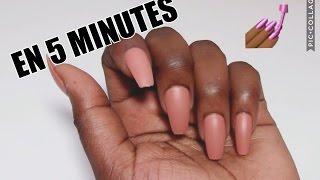 faux ongles avec des pailles
