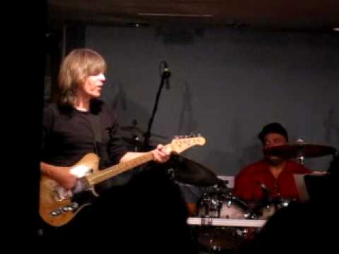 Mike stern - Dennis Chambers Drum Solo Boston 2010