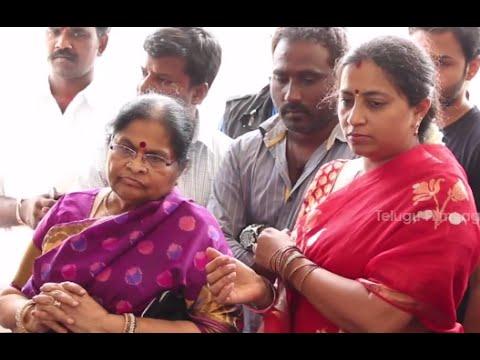 Mega Star Chiranjeevi Mother Offering Special Prayers - Happy Birthday Mega Star video