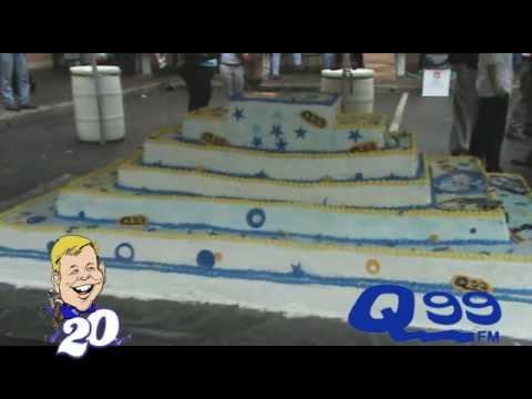 Friday night in Downtown Roanoke hundreds showed up to watch 99 winners dive for prizes in a 2200 pound cake to celebrate Dick Daniels 20th anniversary with Q99.