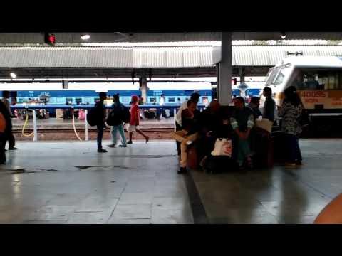 WDP4b with Bangalore gandhidham express at Pune junction