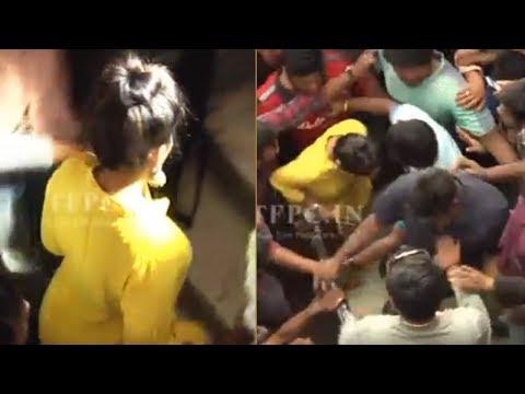Actress Madhavi Latha Came To Film Chamber To Support Pawan Kalyan |  TFPC