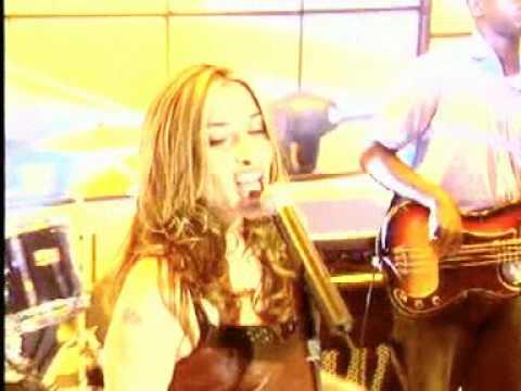 Melanie Blatt - Do Me Wrong @ Top Of The Pops 05/09/2003