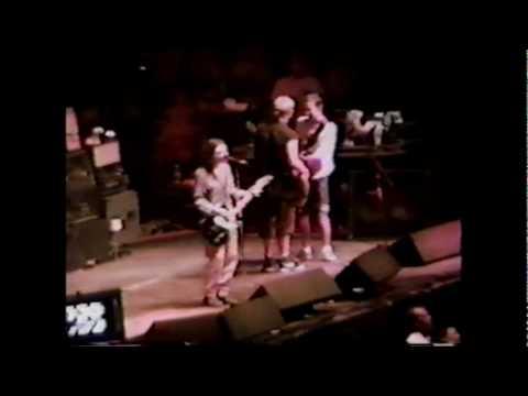 Pearl Jam - Let My Love Open The Door