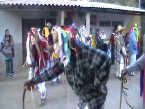 Danza de los Viejos [T´arhe Uarharis] Santo Tomas 2011 Parte 3