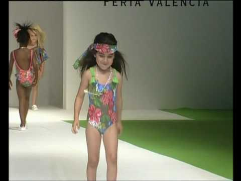 Kids Fashion Show Swimsuit en FIMI Fashion Show