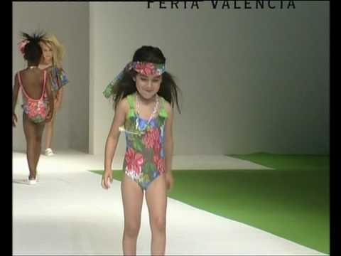 Desfile de Oh Soleil en FIMI Fashion Show temporada Primavera/Verano 2010