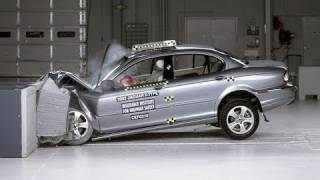 2002 Jaguar X-Type moderate overlap IIHS crash test