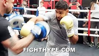 "AMIR KHAN ""SPEED = POWER"" INTENSIFIED MITT WORK; SITTING DOWN ON PUNCHES & IMPROVING FUNDAMENTALS"