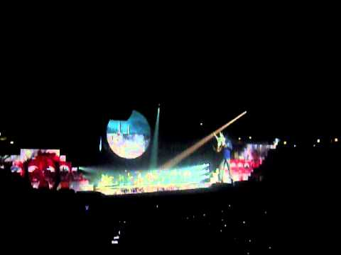 Roger Waters - Mediolanum Forum di Assago 2011 thumbnail