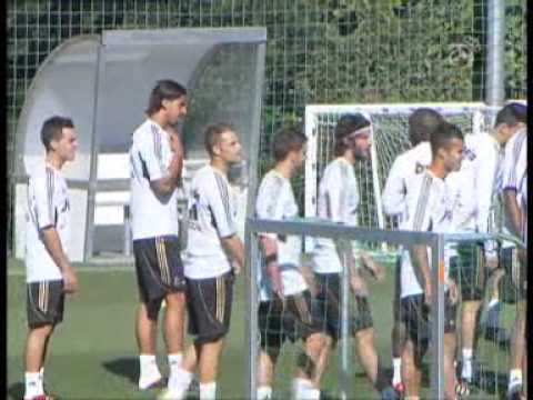 Real Madrid Continue Preparing For the Champions leage.flv