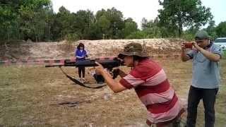Latihan Menembak SS1