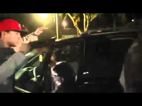 Justin Bieber flipping off paparazzi on his 17th Birthday with Selena Gomez after dinner 2011