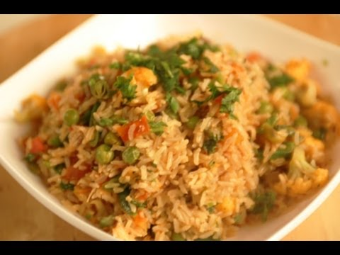 TAMATAR SUBZ PULAO (Tomato and Mix veg Pulao)
