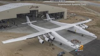 Debut Of World's Biggest Plane Made In Mojave Desert