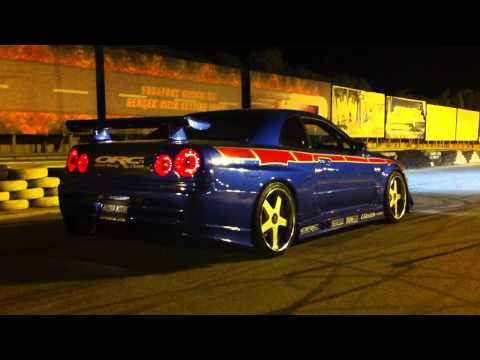 R34 GTR V SPEC-II NUR EDITION