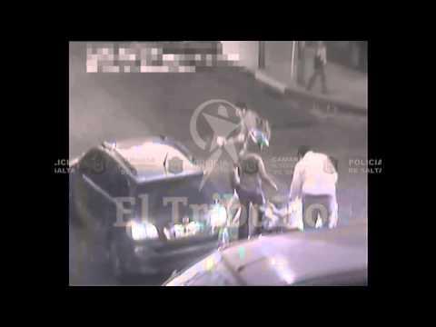 Un auto impactó con un motociclista