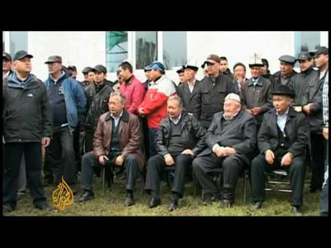 Ousted Kyrgyz president gathers support