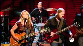 Watch Tedeschi Trucks Band Learn How To Love video