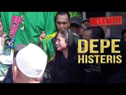Download Syok Berat, Dewi Perssik Histeris di Hadapan Jasad Sang Ayah - Cumicam 11 Juni 2019 Mp4 baru