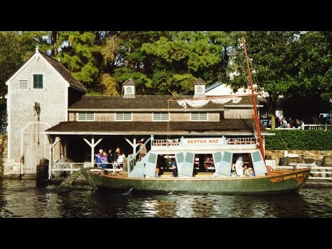Mike Fink Keel Boat Highlights 01/91 Burning Settlers Cabin, Magic Kingdom, WDW