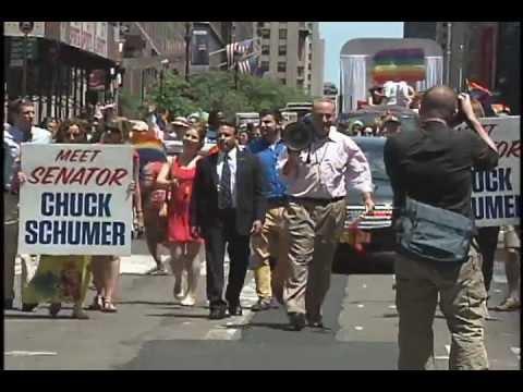 Посмотреть ролик - Гей-парад в Нью-Йорке гейпарад в нью-йорке ви