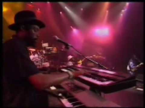 Steel Pulse - Grab a Girlfriend