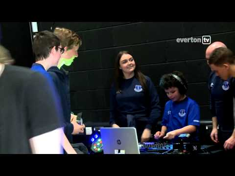 Roberto Martinez helps launch Breathing Space programme