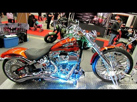 2014 Harley-Davidson Breakout Customized  Walkaround - 2014 Montreal Motorcycle Show