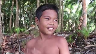 Veleiro Fraternidade na Micronesia Lamotrek