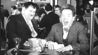 Stan Laurel infectious laughing!