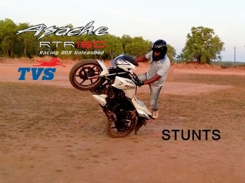 TVS Apache RTR 180 Stunts in stock mode, Aki D Hopper ( Team HPz)