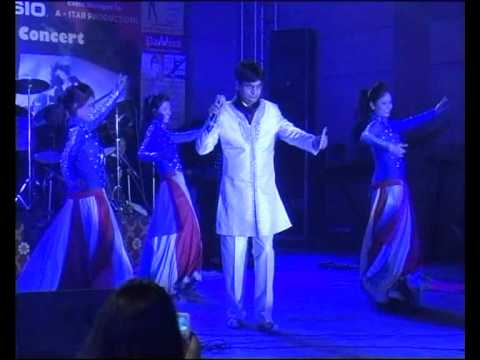 Chandi Jaisa Rang Hai Tera Sone Jaise Baal By Raj Kumar Singh Chauhan video