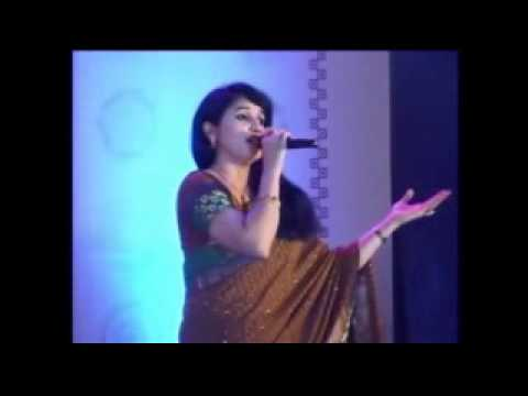 Deepika performing Bhor Bhaye Panghat pe
