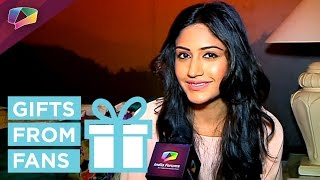 Surbhi Chandana receives gift from a fan