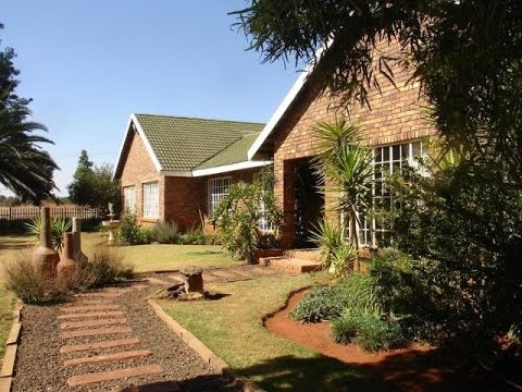 4 Bedroom Farm For Sale in Tarlton, N14 National, South Africa for ZAR 2,350,000...