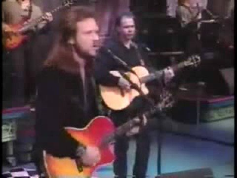 Travis Tritt - Between An Old Memory and Me (live)