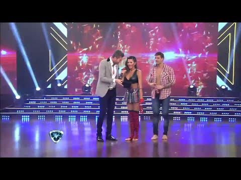 Showmatch 2014 - Karina Jelinek, más hot que nunca con un beso muy fuerte