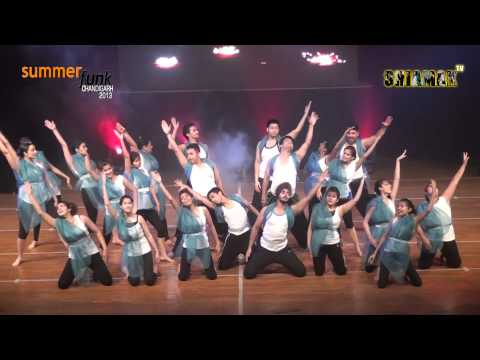 Jee Le Zara - Shiamak Summer Funk - Chandigarh 2013 video