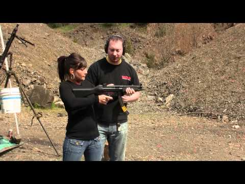 learning to play with a full auto mp5 9mm!