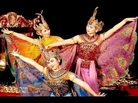 Tari Merak - Kreasi Baru - Peacock Dance - Ukm Ukjgs Ugm [hd] video