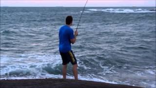 Pesca em costão, Praia das Castanheiras - Guarapari/ES. Enchova, guaivira e bicuda.