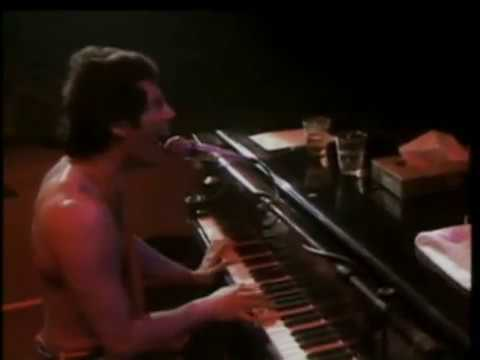 Queen - Don't Stop Me Now (Live at the Hammersmith Odeon '79)