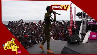 Da Agent challenges  feffe bussi in freestyle at the zzina beach carnival