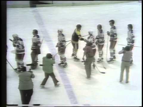 Post-game Bruins vs. NY Rangers (11/05/1972)