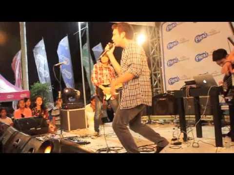 @BARRISmusic - Sebatas Pandangan live at Depok Town Square