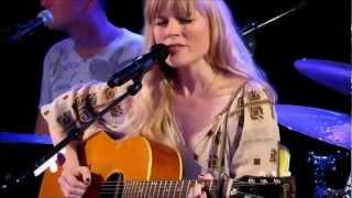 Watch Ilse Delange Flying Blind video