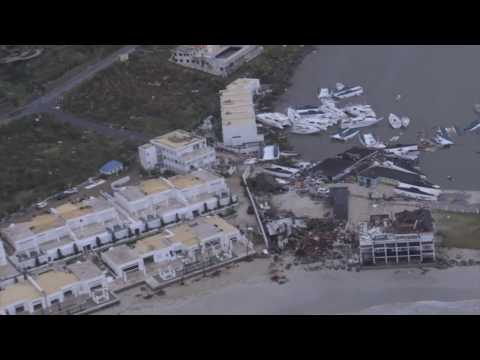 Eerste verkenningsvlucht NH90 boven Sint Maarten na orkaan Irma