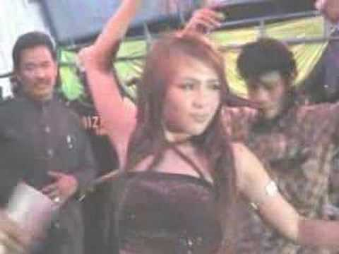 Di Gilir Cinta (lina Geboy) video