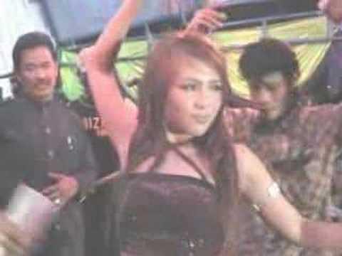 download lagu Di Gilir Cinta Lina Geboy gratis